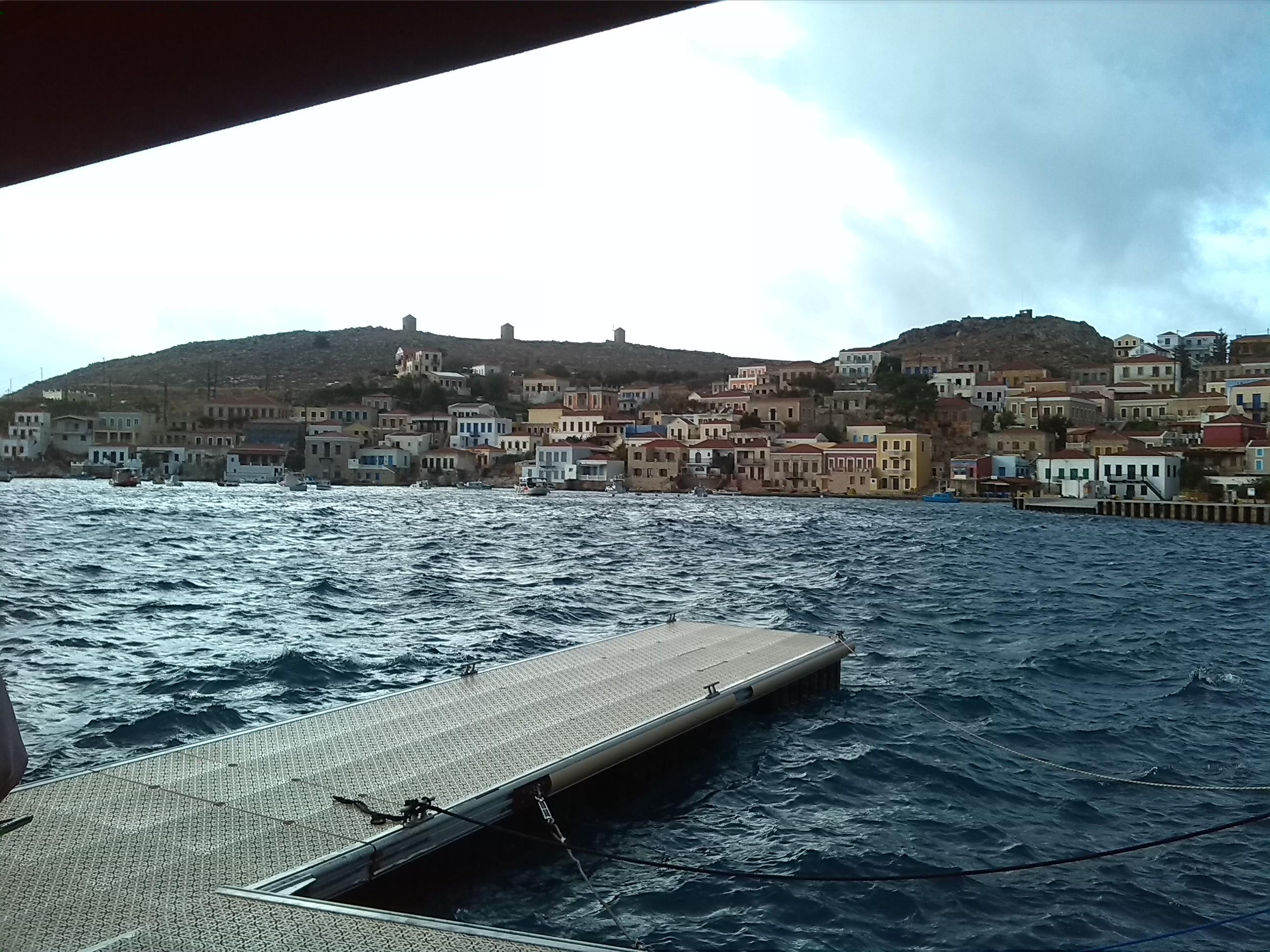 Khalki auf der Westseite von Rhodos gelegene Insel